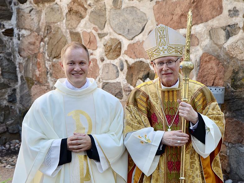 Uusi pappi vihittiin hiippakuntajuhlan yhteydessä