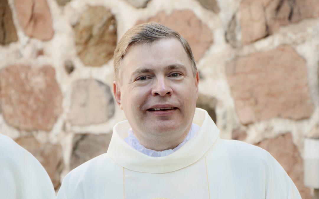 Monsignore Vimparista haastattelu Helsingin Sanomissa
