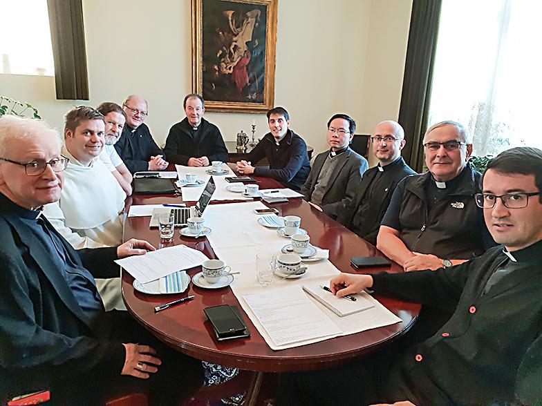 Pappienneuvosto pohdiskeli liturgiaa, nuorisoa ja taloutta