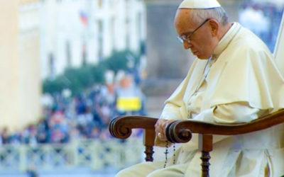 Paavi kutsuu ruusukkorukoukseen toukokuussa